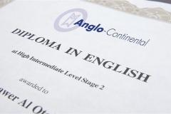 DSC_0145 diploma RT (Small)